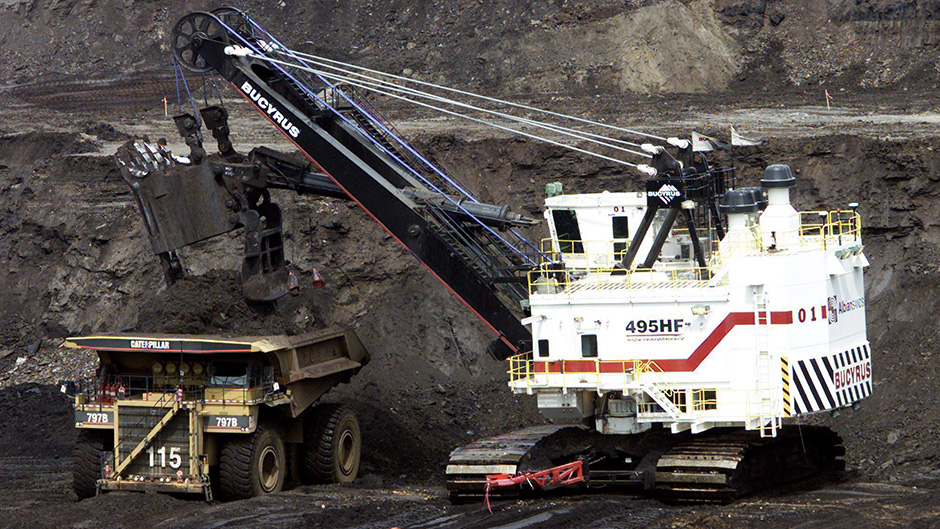 Regulator to hear Suncor case against Canadian Oil Sands' poison pill