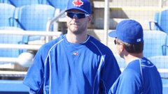 Blue Jays Saunders expected back mid-April