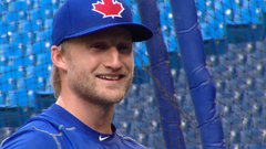 Must See: Stamkos takes batting practice with Jays