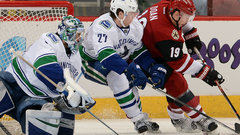 NHL: Canucks 2, Coyotes 1