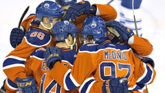 McDavid's career night leads Oilers past Leafs
