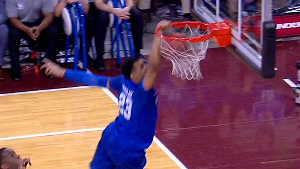Must See: Murray throws down a massive dunk