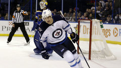 NHL: Jets 2, Blues 1 (SO)