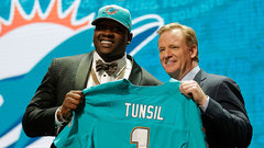 Tunsil's strange night takes centre stage at NFL Draft