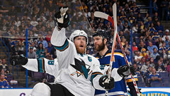 Red-hot Pavelski putting Sharks on his back