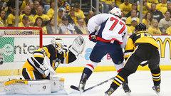 Murray shining in net for Penguins