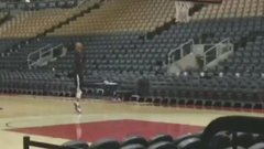 Lowry practices his shot in empty arena hours after Game 1