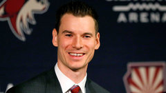 Coyotes name Chayka as new GM