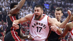 Ennis: Valanciunas' post play led Raptors to the win