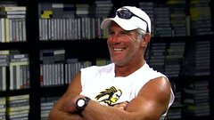 Favre, Gruden review old practice tape