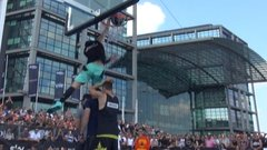 Must See: Canadian Kilganon takes over dunk contest
